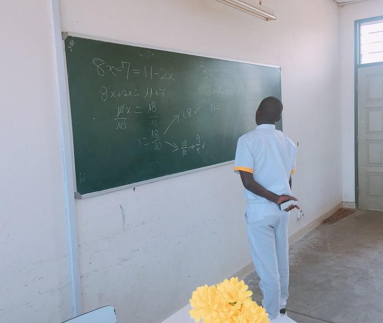 モザンビーク60週目(8/19~8/25)モザンビークの薬学生。驚異の計算力!